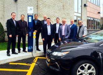Les Caisses Desjardins annoncent l'installation de huit bornes électriques au Centre-du-Québec