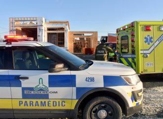 Accident de travail, un travailleur blessé après une chute d'une vingtaine de pieds à Drummondville