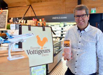 Air Transat servira le poulet de la Ferme des Voltigeurs au menu Gourmet du chef Daniel Vézina