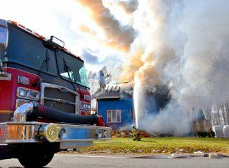 Un incendie détruit une résidence familiale à Saint-Joachim-de-Courval.