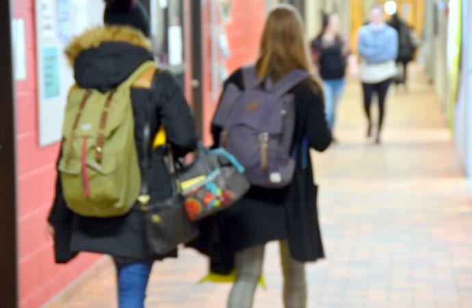 Enquête nationale – Impacts de la COVID-19 sur la condition étudiante, la FECQ dévoile un rapport préliminaire alarmant