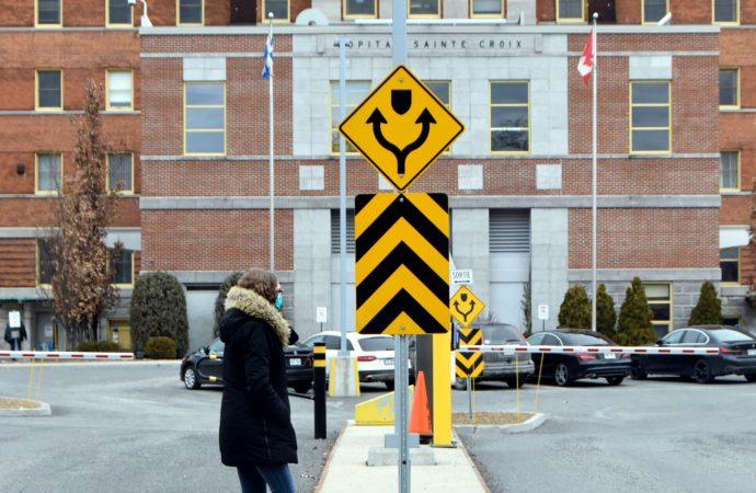 COVID-19 : Plus de la moitié des résidents des CHSLD du Québec ont été vaccinés alors que la situation demeure préoccupante dans les hôpitaux