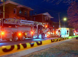 Incendie à Drummondville rue Saint-Édouard, un homme repose dans un état critique