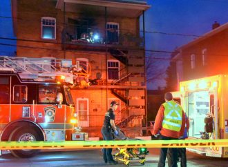 Incendie rue Saint-Édouard – la victime réanimée grâce à l'intervention efficace des pompiers