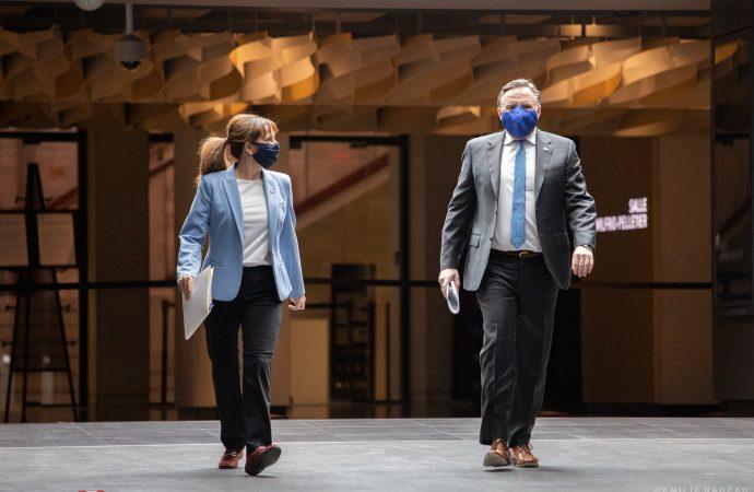 """Québec donne le 'Go"""" à l'industrie culturelle et artistes et annonce une relance de 400 millions $"""
