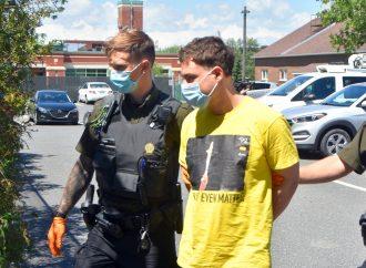 Accusé du meurtre de sa mère, Jean-Luc Ferland subira une évaluation psychologique