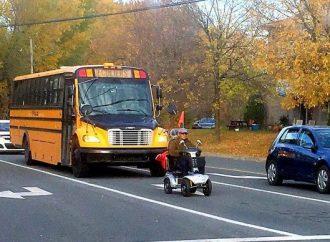 Québec encadre l'utilisation des aides à la mobilité motorisées pour favoriser la sécurité des usagers