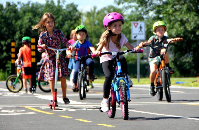 """Journée mondiale de l'enfance : Espace MUNI accueille Drummondville dans le réseau """"Municipalités amie des enfants"""""""