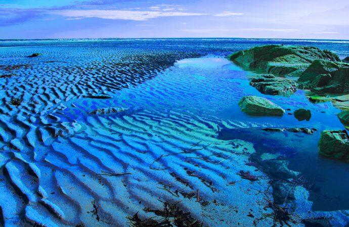 Axart :  « Flux et Reflux » par Ferron : plein phare sur les mouvements de la mer