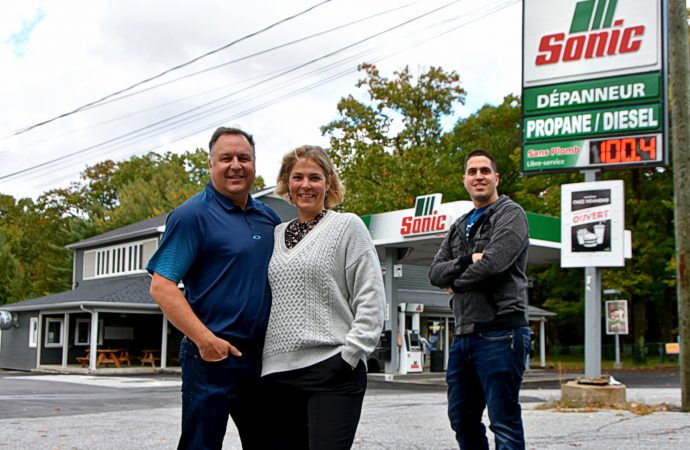 Le Dépanneur Hemming passe aux mains de Daniel Paulin et Julie Arel qui amorcent un important virage santé et gastronomique !