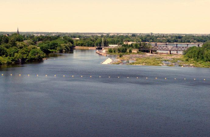 Ottawa et Québec investissent dans les infrastructures d'eau pour assurer des services adéquats et relancer l'économie de la région du Centre-du-Québec