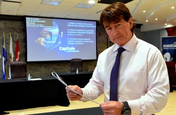 Le maire de Drummondville Alain Carrier plaidera au conseil le report du premier versement des taxes municipales