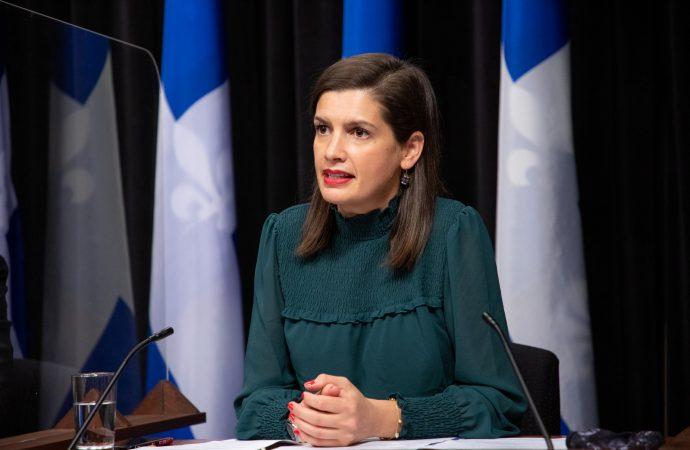 La ministre de la Sécurité publique Geneviève Guilbault précise et explique les nouvelles mesures entourant le couvre-feu.