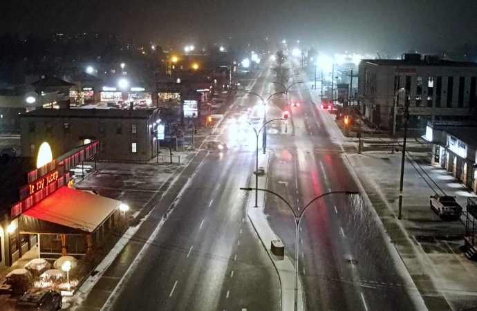 Un cocktail météo de neige et de pluie verglaçante s'annonce sur les routes de la région
