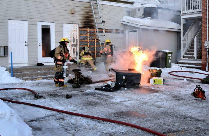 Un dossier d'incendie rapidement maîtrisé rue Hériot transféré à la Sûreté du Québec