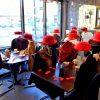 Des mannequins en guise de clients donnent vie au Resto-Bistro l'Entracte de Drummondville