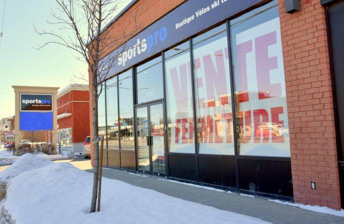 Regroupement des magasins Sportspro et Sports Experts / Atmosphère Les Promenades Drummondville sous un même toit