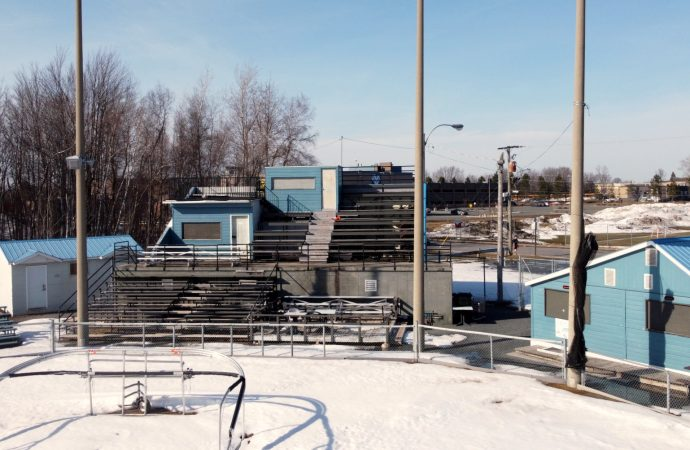 Stade de baseball Jacques-Desautels – Des travaux seront entrepris dès cet été pour la saison du Brock, confirme le Maire Alain Carrier