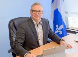 """Le député fédéral de Drummond, Martin Champoux lance le projet """" Une vague de bonheur pour nos aînés """" !"""