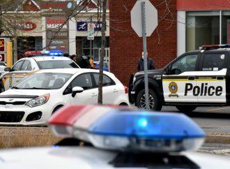 La rapidité d'intervention des policiers permet d'arrêter deux individus à la CIBC de Drummondville