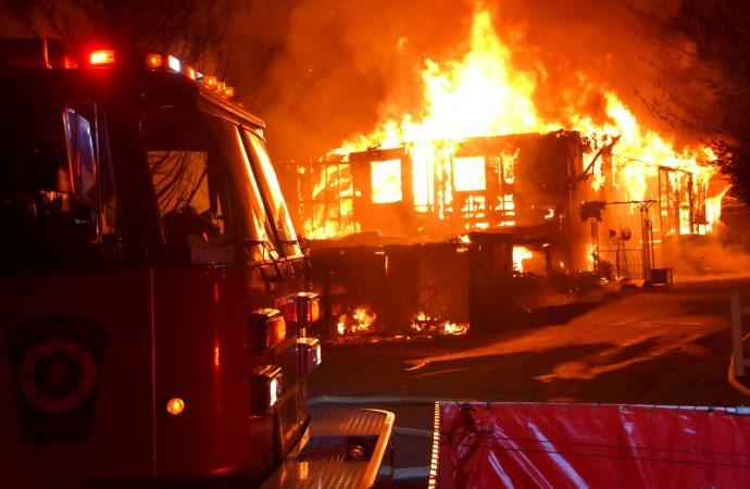 Un incendie majeur a complètement détruit une résidence à Drummondville