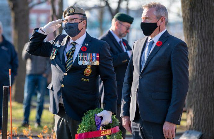 Services en défaveur des francophones à Anciens Combattants Canada, le député fédéral Martin Champoux sonne l'alarme