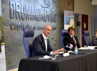 Le maire de Drummondville à la défense d'Autobus Girardin et d'Autobus Thomas contre le nouveau programme d'électrification du transport scolaire au Québec
