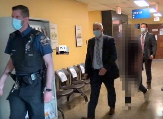 Conduite dangereuse causant la mort, le conducteur âgé de 17 ans fait face à huit chefs d'accusation