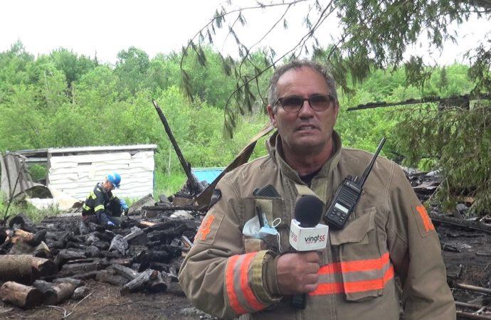 Un incendie a complètement détruit une résidence du 9e rang à Wickham