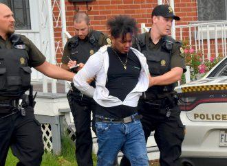 Poursuite policière à Drummondville : le suspect Yonmanuel Perez Capellan formellement accusé