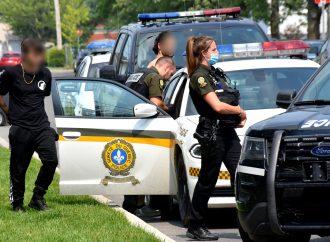 Deux arrestations causent tout un émoi sur la rue Leclerc à Drummondville