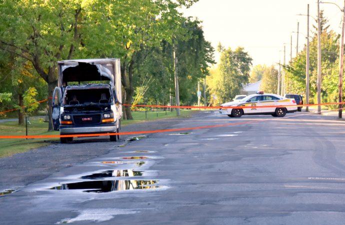 Enquête policière sur un autre incendie suspect de véhicule à Drummondville