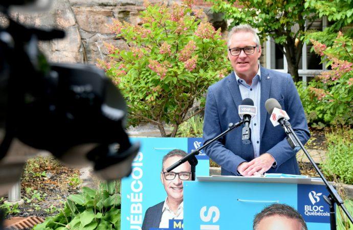 Le chef du Bloc Québécois, Yves‑François Blanchet, et le candidat dans la circonscription de Drummond, Martin Champoux, souhaitent donner le pouvoir aux Québécois