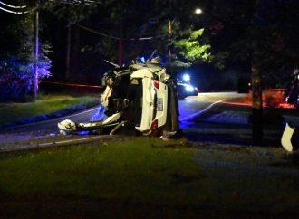 Violente sortie de route sur le chemin Hemming : la passagère du véhicule lutte pour sa vie à Drummondville
