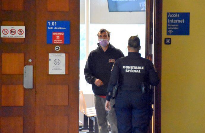 Un Drummondvillois cité à procès pour incitation et contacts sexuels sur une mineure